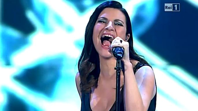 wind-music-awards-2014-11-laura-pausini