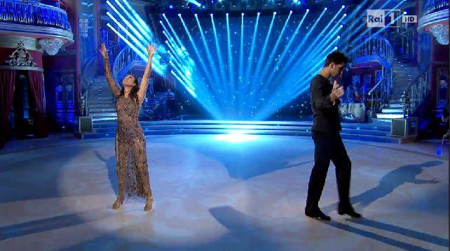 giusy-versace-raimondo-todaro-ballando-con-le-stelle-8-novembre