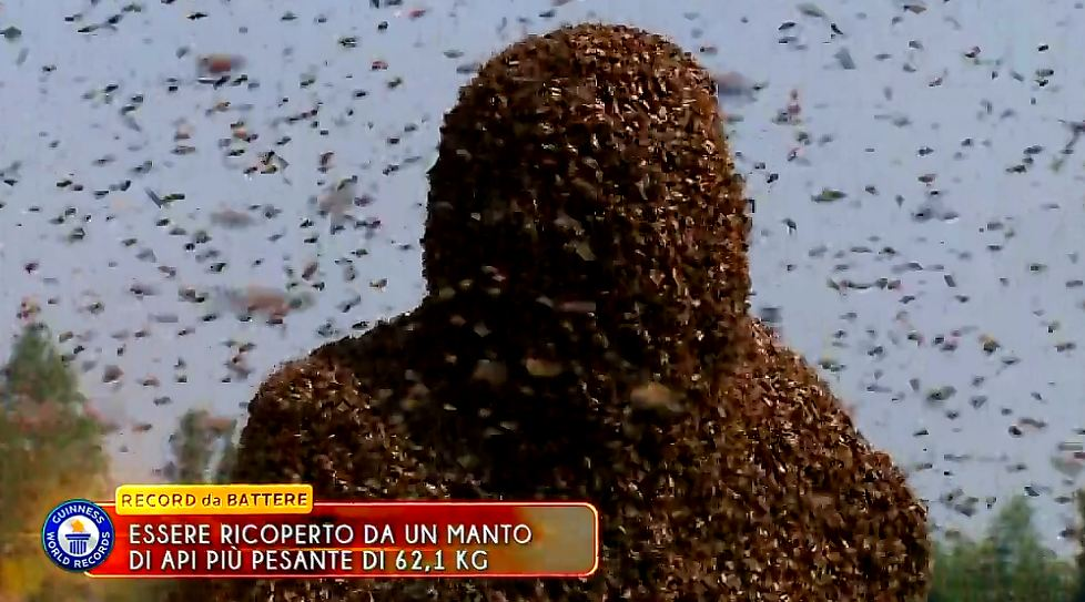 lo-show-dei-record-2015-mantello-api-4